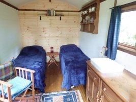 Hut 2-4.jpg