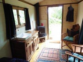 Hut 2-5.jpg