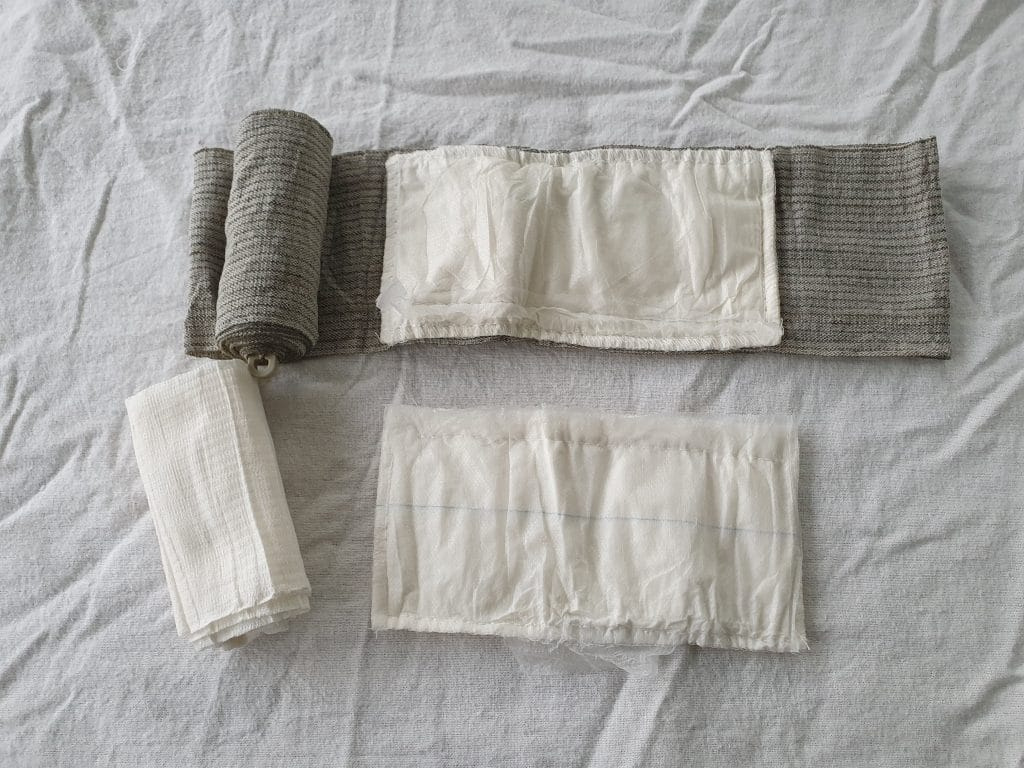 Seperate parts of the T3, main bandage, Packing gausze and additional pad